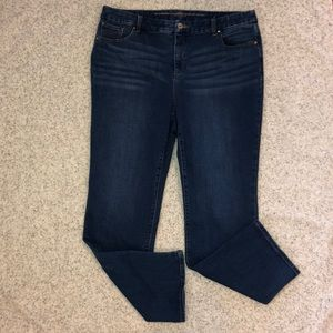 Chico's 3p So slimming Girlfriend Straight Jeans 3